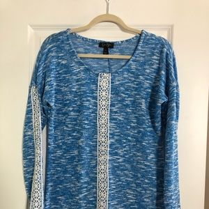 Jessica Simpson lightweight sweater